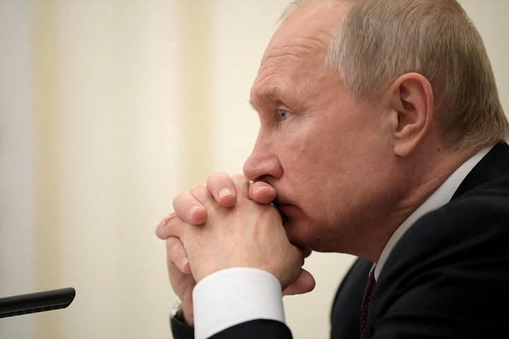 "The ""2024 Putin transit"" and Russia's political future"